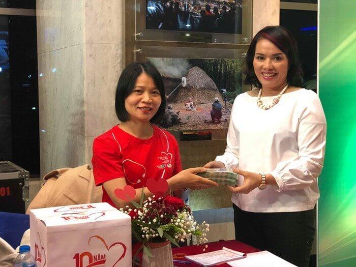 Doanh nhân Phượng Hồng Kông từ thiện mổ tim cho trẻ bị tim bẩm sinh