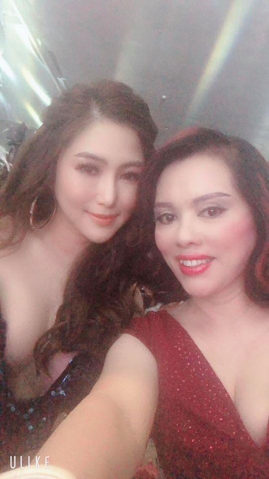 Hoa hậu Phượng Hồng Kông và ca sĩ Hương Tràm