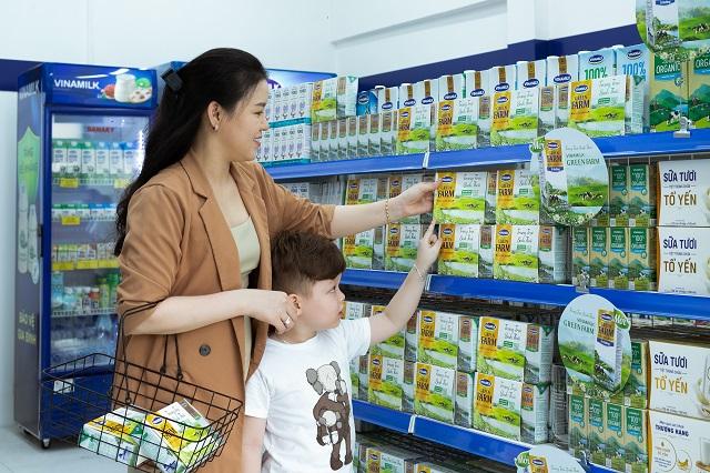 Những sản phẩm sữa tươi Green Farm mới lên kệ tại cửa hàng